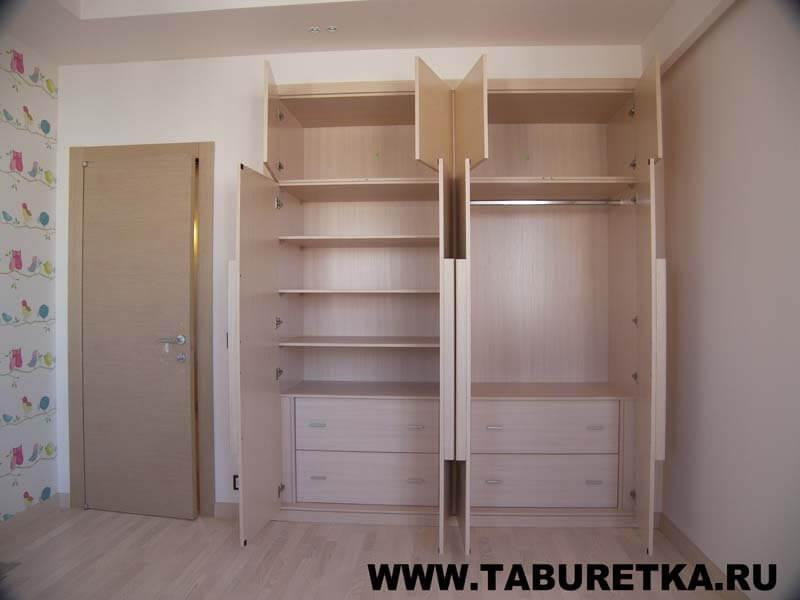 Шкаф с распашными фасадами из беленого дуба. внутреннее напо.