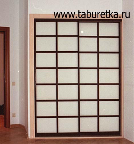 Раздвижные двери для встроенного шкафа.